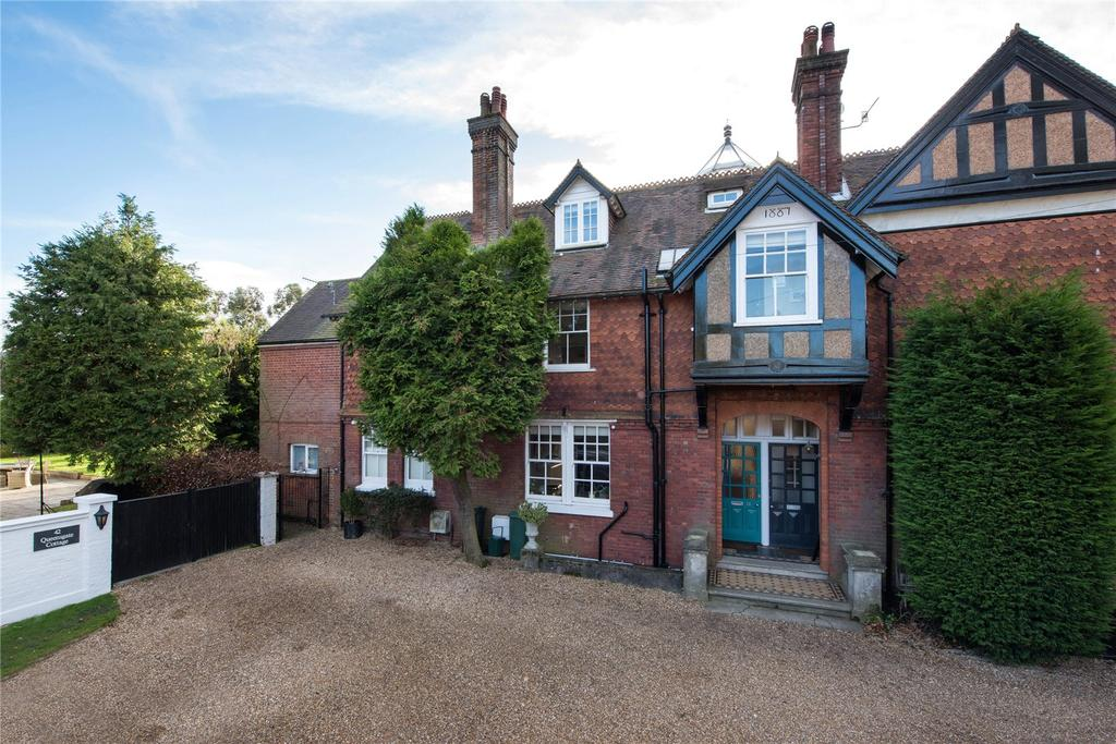 4 Bedrooms House for sale in Wray Common Road, Reigate, Surrey, RH2