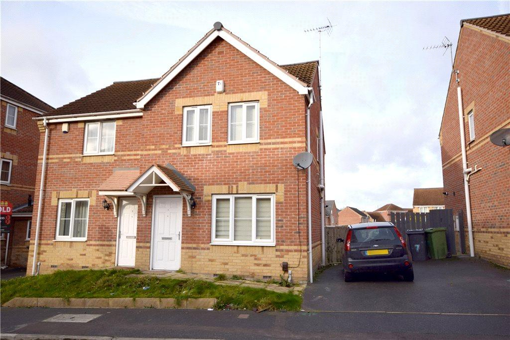 3 Bedrooms Semi Detached House for sale in Primo Place, Leeds