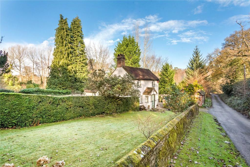3 Bedrooms Unique Property for sale in Old Kiln Lane, Churt, Farnham, Surrey, GU10