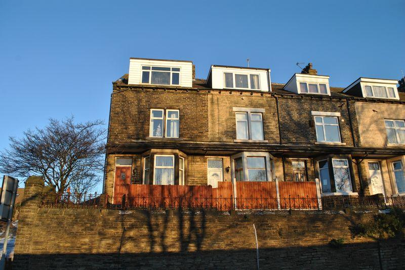 4 Bedrooms Terraced House for sale in Bowling Hall Road, East Bowling, BD4 7LE