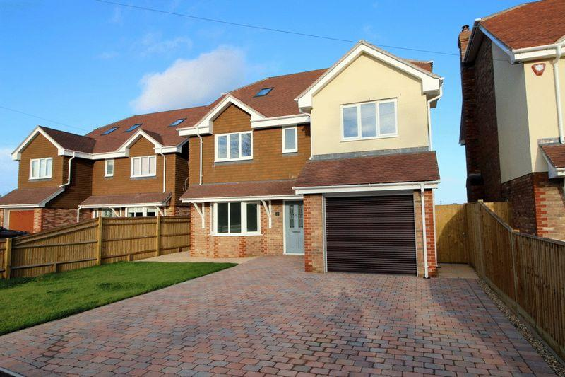 6 Bedrooms Detached House for sale in Willow Field, Eastbourne Road, Halland, East Sussex