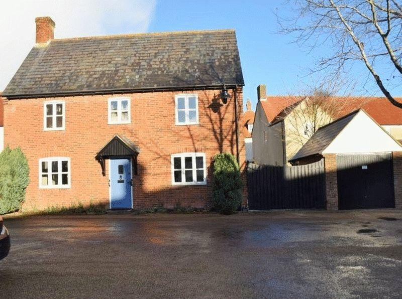 3 Bedrooms Detached House for sale in Barlake Court, Poundbury.