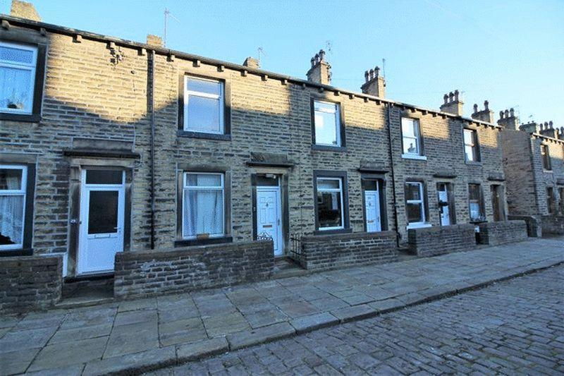 2 Bedrooms Terraced House for sale in Cheltenham Place, Halifax