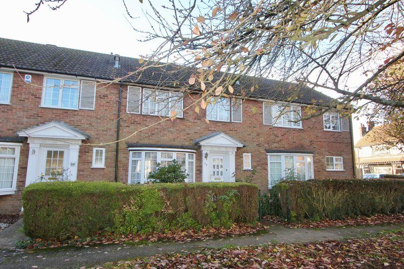 3 Bedrooms Terraced House for sale in The Green, Caddington
