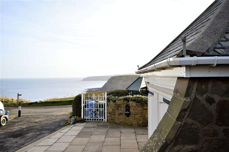 2 Bedrooms Apartment Flat for sale in Cliff Cottages, Saltburn-By-The-Sea