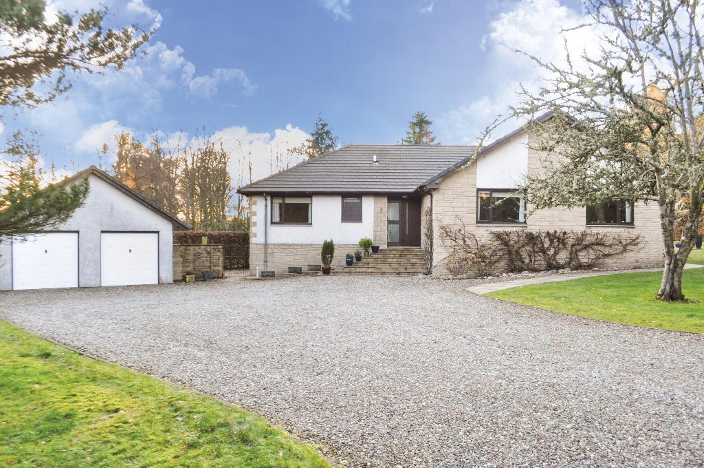 4 Bedrooms Bungalow for sale in Castle Gardens, Buchanan Castle Estate, Drymen, Stirlingshire, G63 0HT