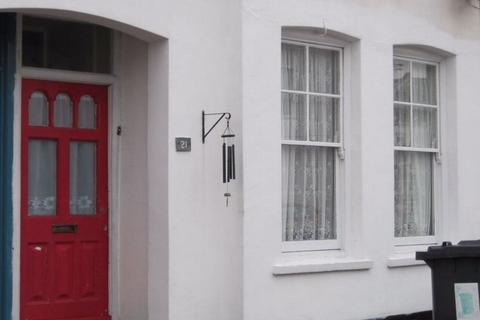 2 bedroom apartment to rent - Arkley Road, Herne Bay