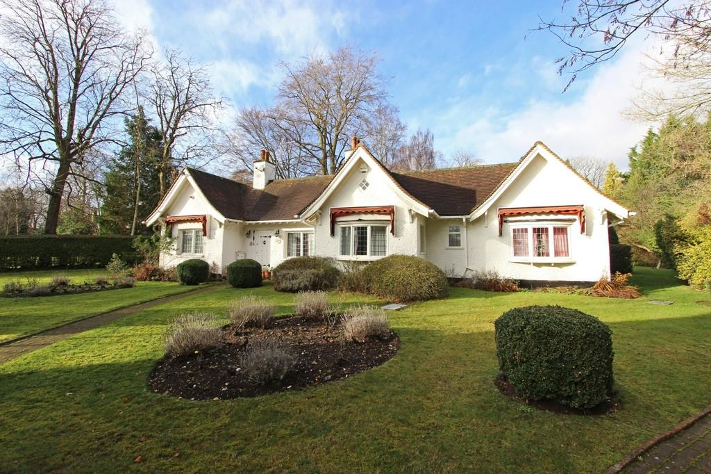 3 Bedrooms Detached Bungalow for sale in Webb Estate, Purley