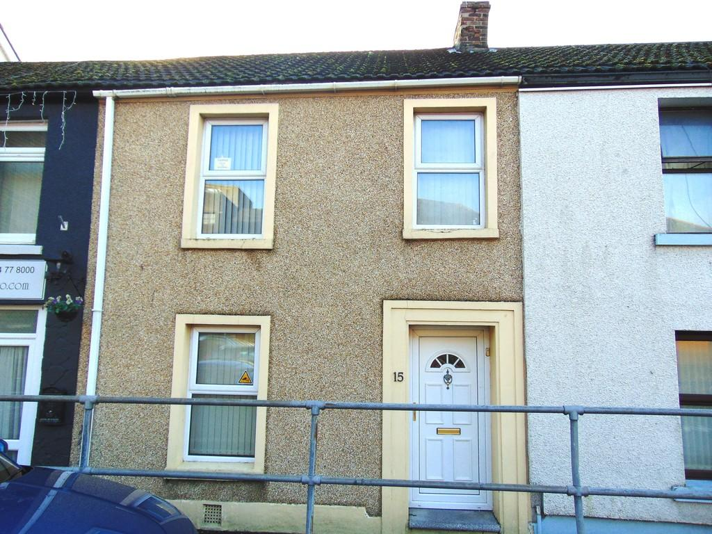 3 Bedrooms Terraced House for sale in Old Castle Road, Llanelli