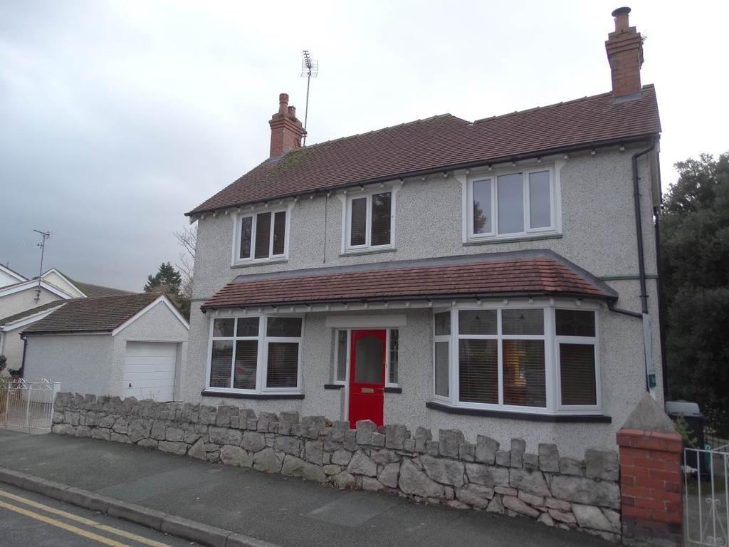 3 Bedrooms Detached House for sale in 7 Cliff Road, Old Colwyn, LL29 9RW