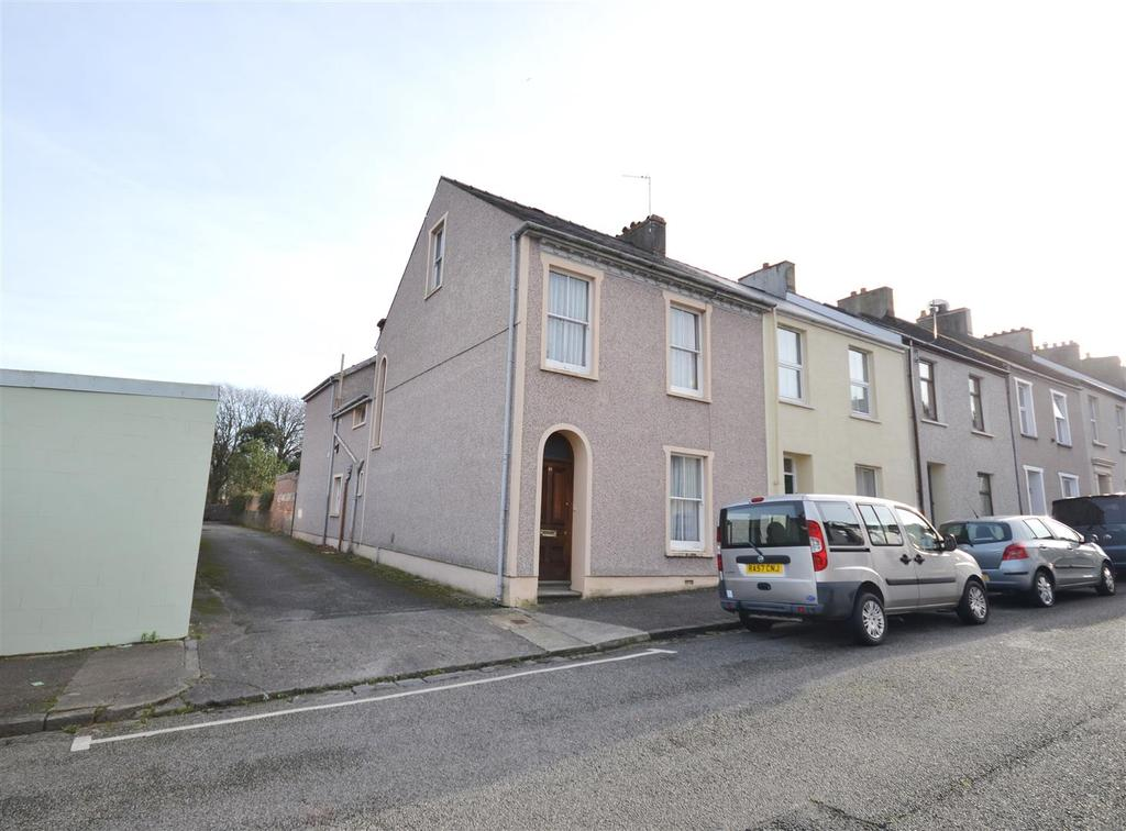 4 Bedrooms End Of Terrace House for sale in Gwyther Street, Pembroke Dock