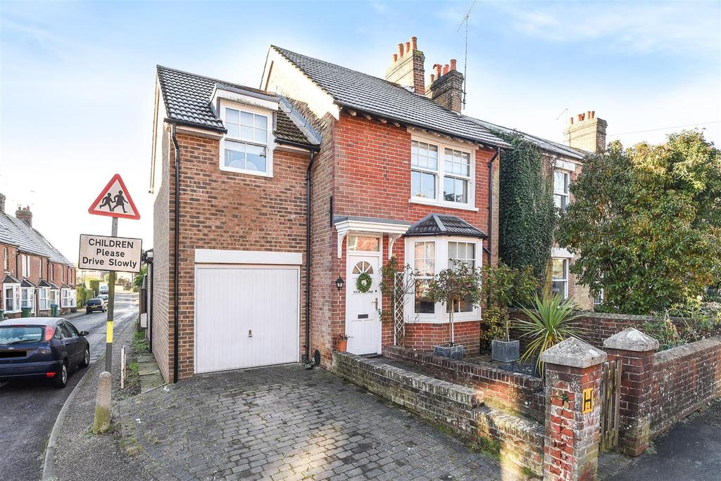 3 Bedrooms Detached House for sale in Kirdford Road, Arundel