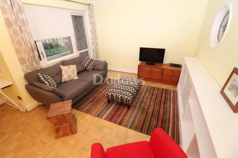 3 bedroom flat to rent - The Court, Newport Road