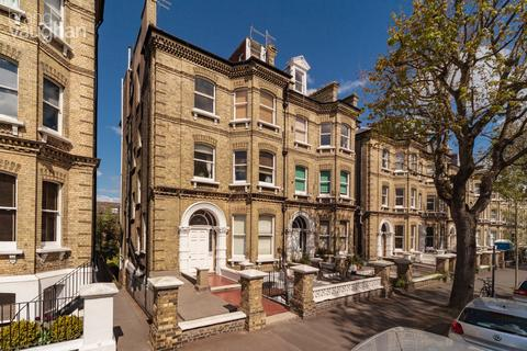 Studio to rent - Cromwell Road, Hove, BN3