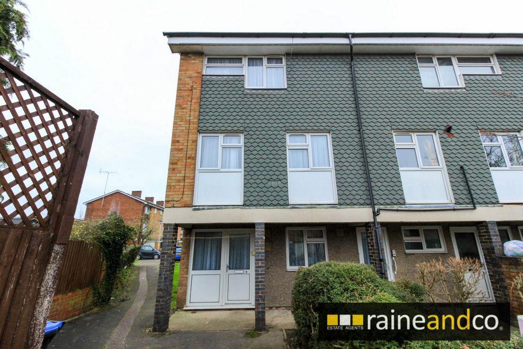 3 Bedrooms Maisonette Flat for sale in Great Heath, Hatfield, AL10