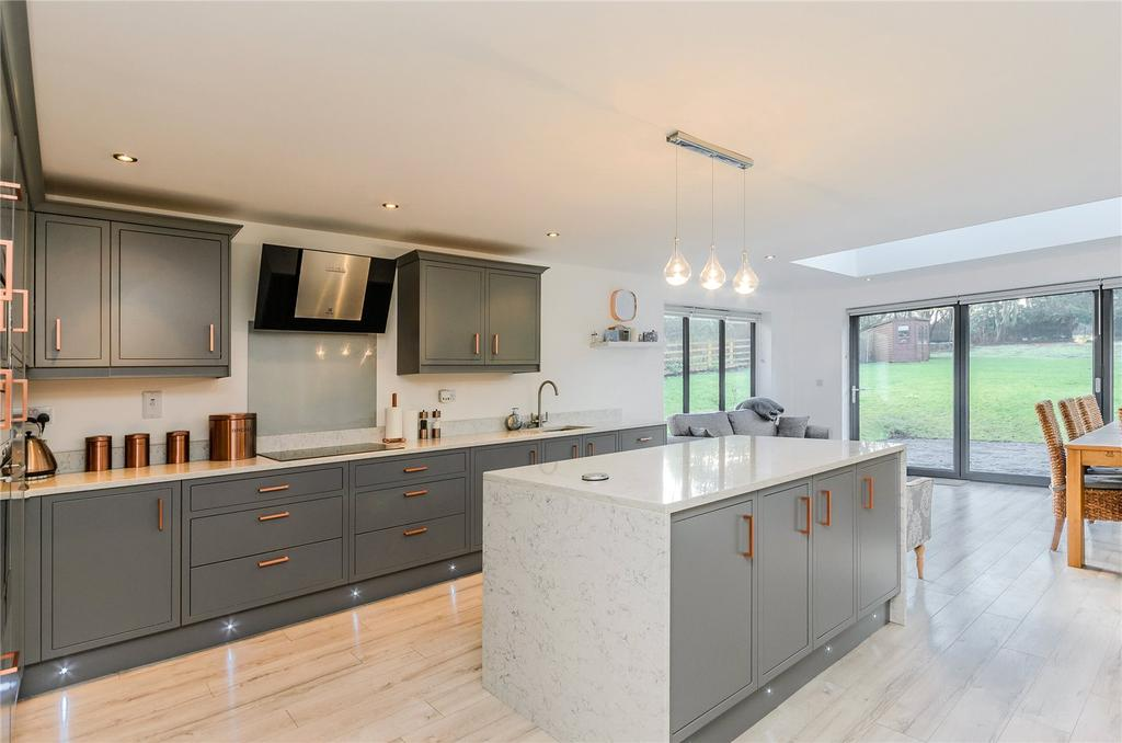 6 Bedrooms Detached House for sale in West Leake Road, East Leake, Loughborough, Leicestershire, LE12