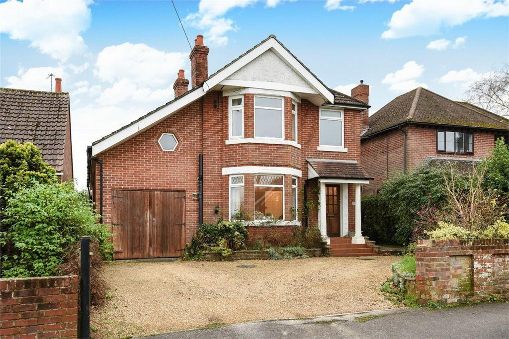 4 Bedrooms Detached House for sale in Shaftesbury Avenue, Chandler's Ford, Hampshire