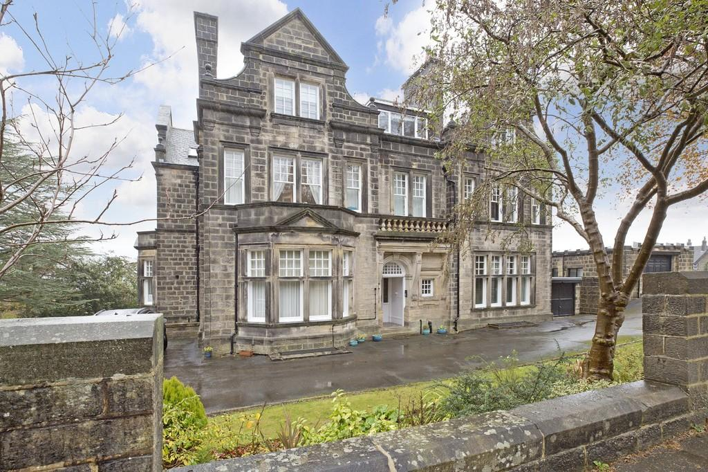 Parish Ghyll Drive Ilkley 2 Bed Apartment For Sale 249 500
