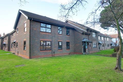2 bedroom ground floor flat for sale - Beech Gardens, Bulkington Avenue, Worthing, BN14 7HL