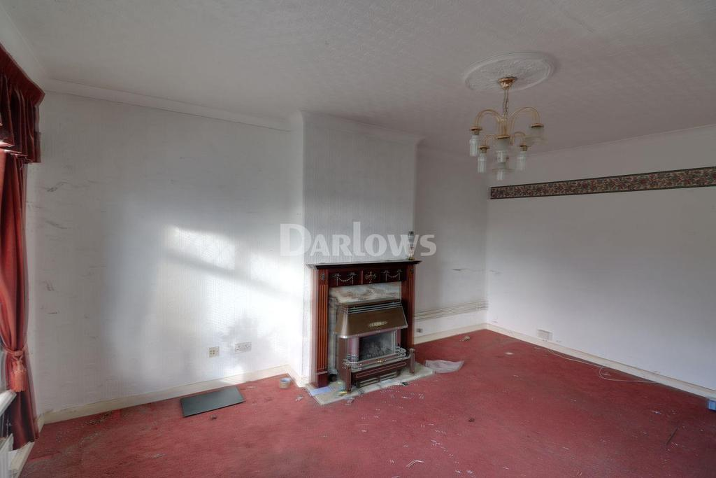 2 Bedrooms Bungalow for sale in Carmarthen Court, Hendredenny, Caerphilly