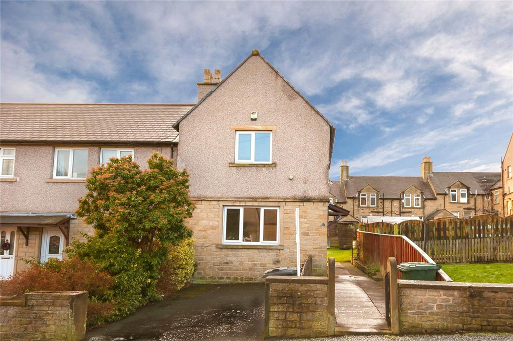 2 Bedrooms End Of Terrace House for sale in Royds Avenue, Quarmby, Huddersfield, West Yorkshire, HD3