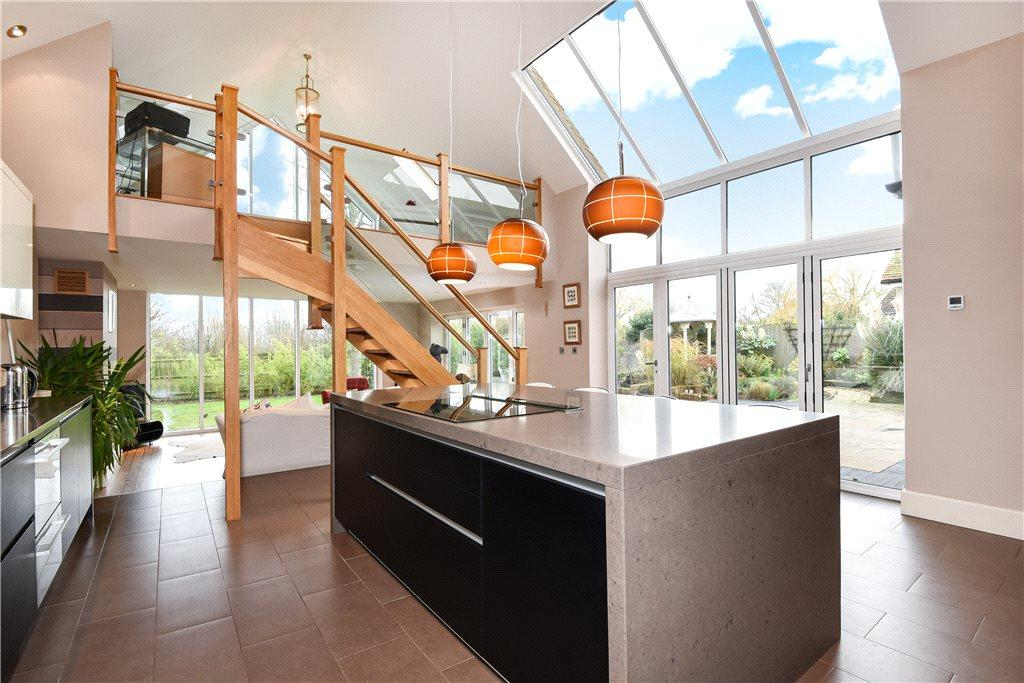 3 Bedrooms Detached House for sale in Rectory Lane, Cranfield, Bedfordshire