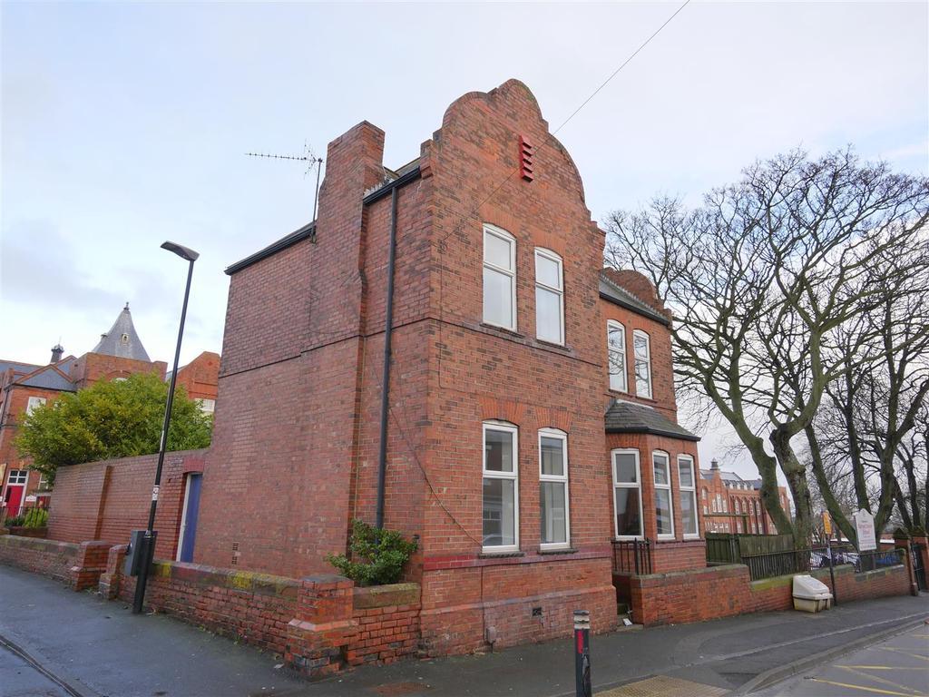 3 Bedrooms Detached House for sale in Mount Road, Sunderland