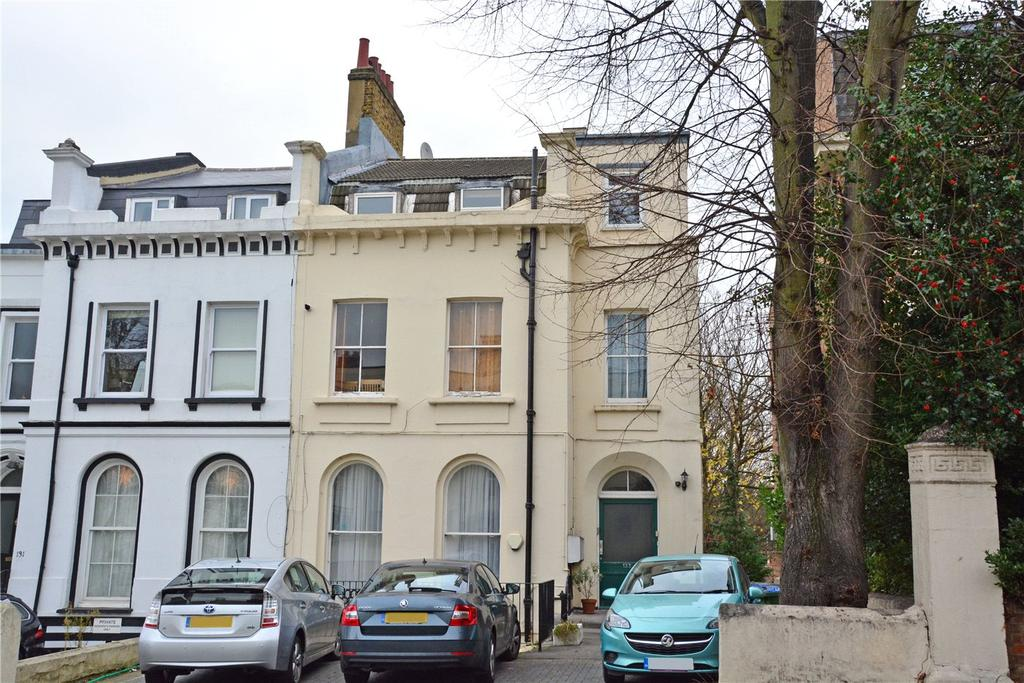 2 Bedrooms Flat for sale in Victoria Way, Charlton, London, SE7