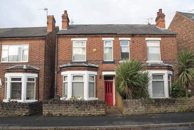 3 Bedrooms Semi Detached House for sale in Morley Avenue, Mapperley, Nottingham, NG3
