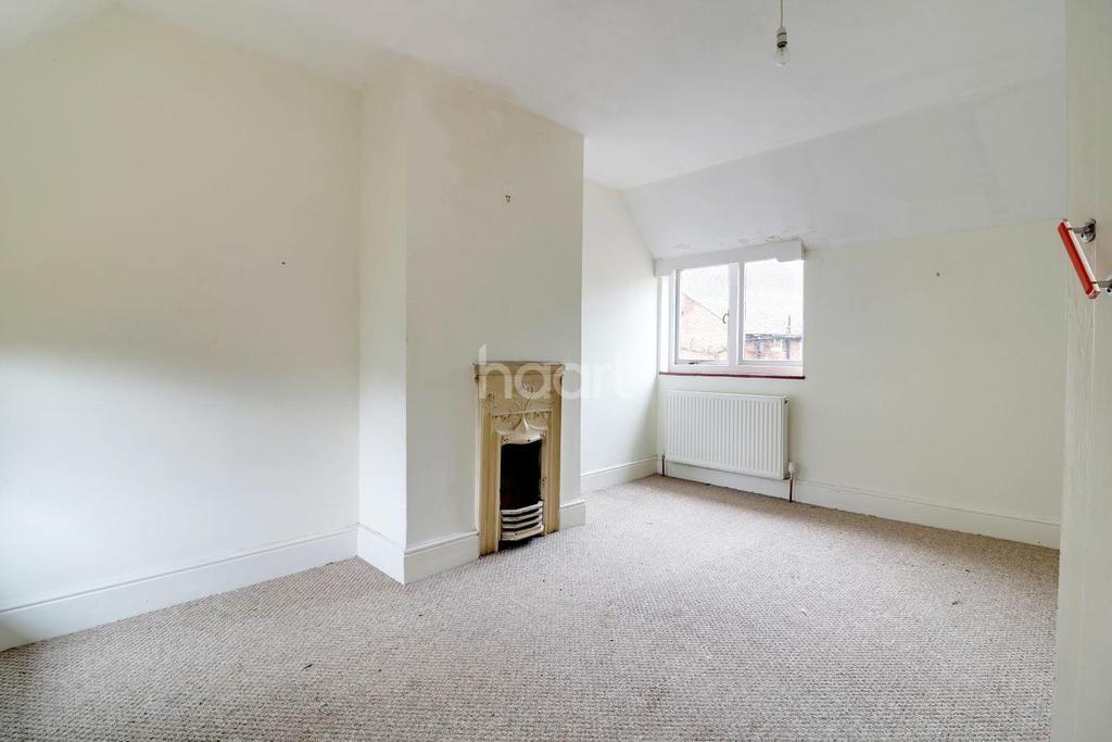 3 Bedrooms Semi Detached House for sale in Furlong Road, Westcott