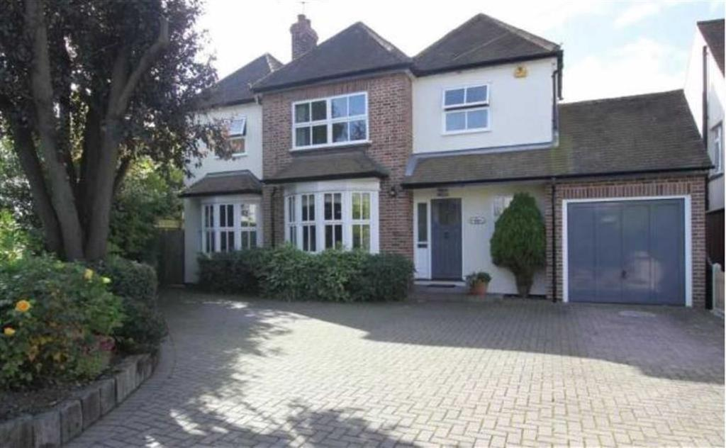 4 Bedrooms Detached House for sale in St Marys Avenue, Billericay