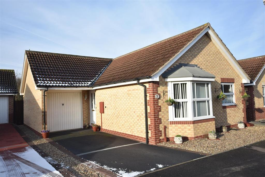 2 Bedrooms Detached Bungalow for sale in Adwalton Close, Newark