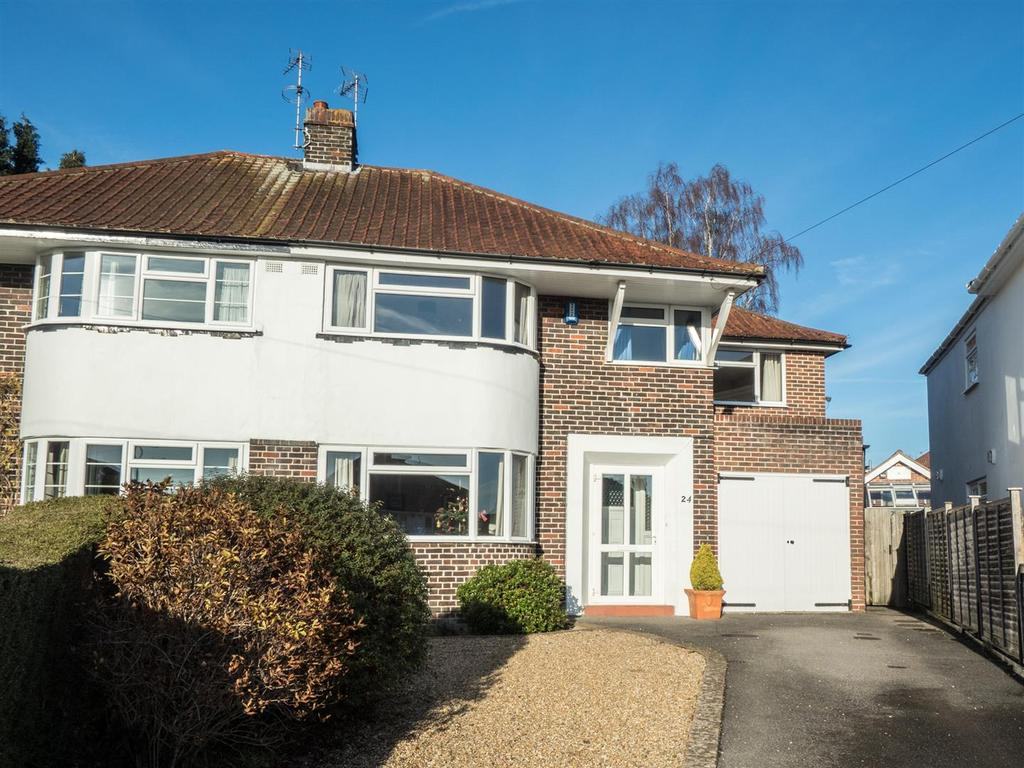 4 Bedrooms Semi Detached House for sale in The Grove, Bearsted, Maidstone