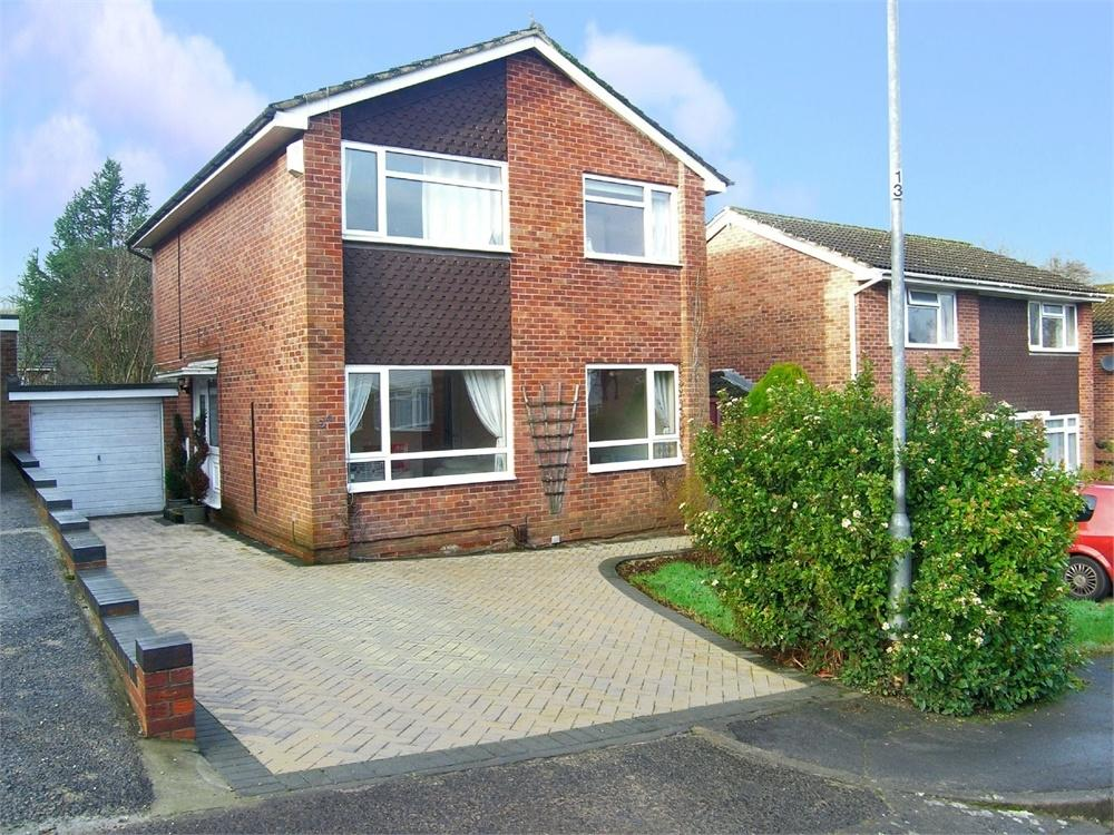 4 Bedrooms Detached House for sale in Forsythia Drive, Pentwyn, Cardiff