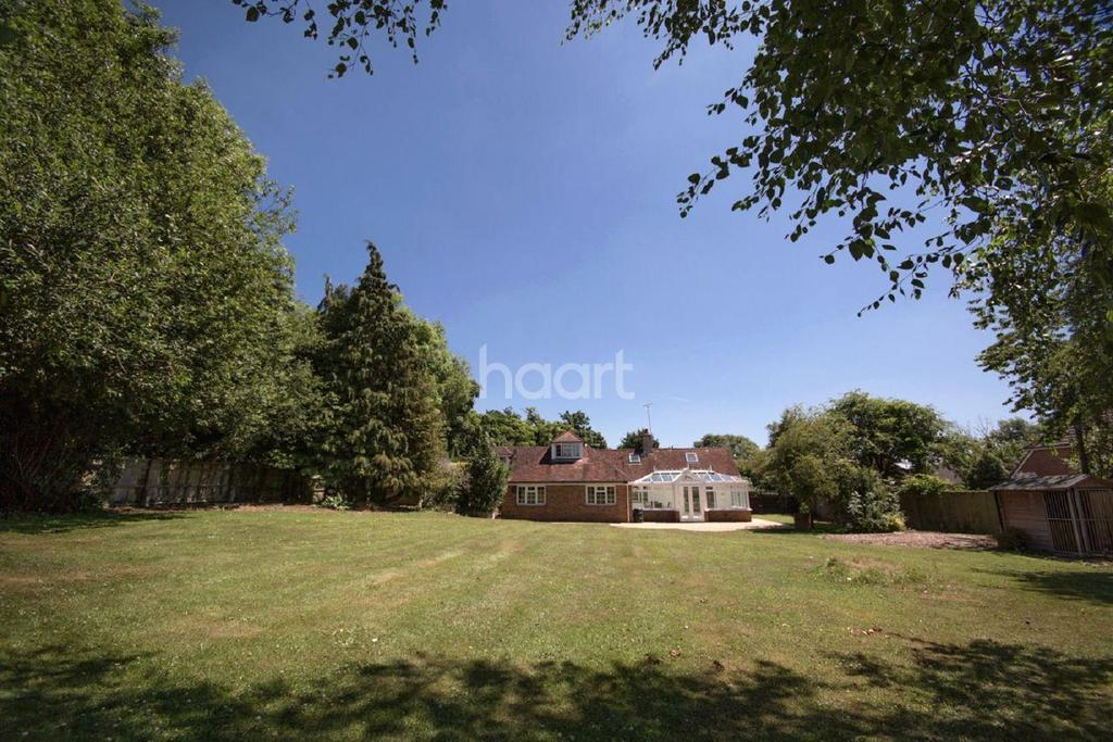 4 Bedrooms Detached House for sale in Salthill Road, Fishbourne, Chichester
