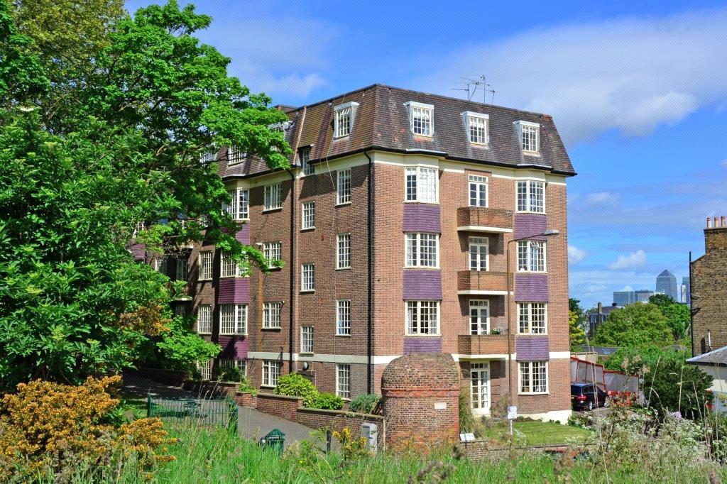 3 Bedrooms Flat for sale in Conduit House, Hyde Vale, Greenwich, London, SE10