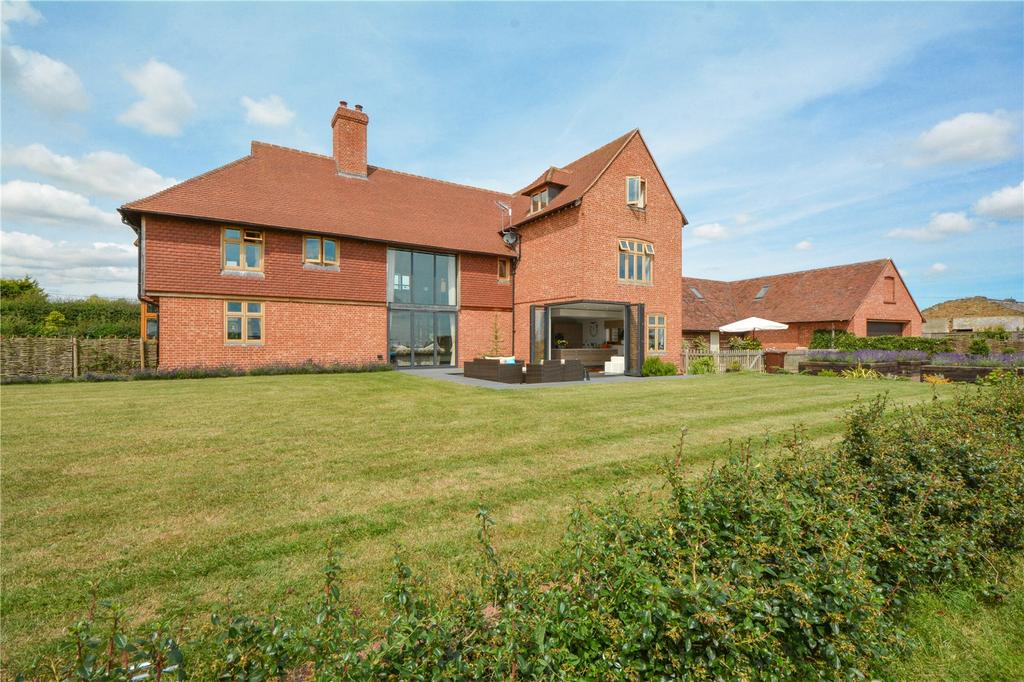 5 Bedrooms Equestrian Facility Character Property for sale in Seasalter Road, Graveney, Faversham, Kent