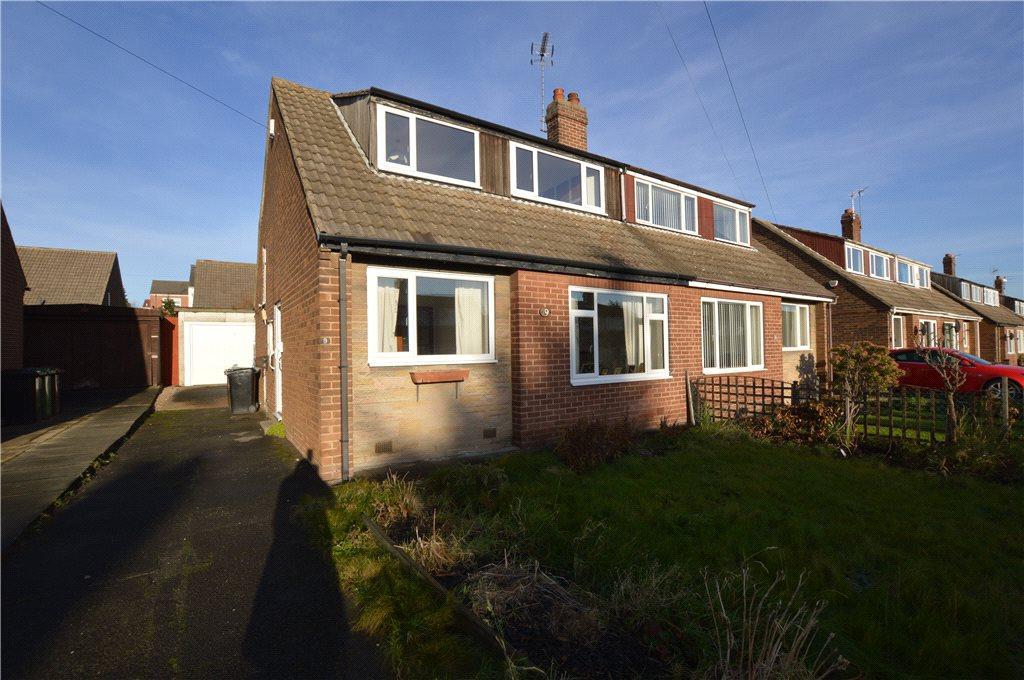 2 Bedrooms Semi Detached Bungalow for sale in Richardson Crescent, Leeds, West Yorkshire
