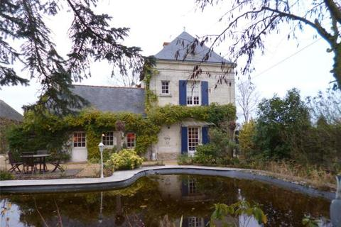 3 bedroom house  - Vivy, Near Saumur, Loire Valley