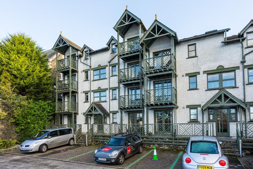 2 Bedrooms Apartment Flat for sale in Flat 4, College Gate, Elleray Road, Windermere, Cumbria, LA23 1AG