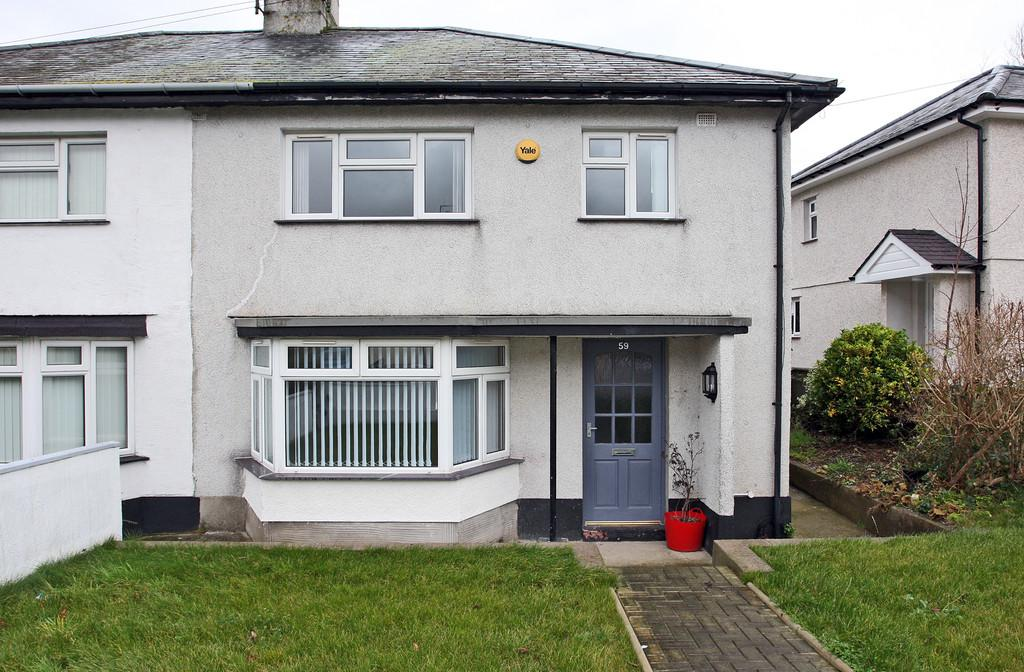 3 Bedrooms Semi Detached House for sale in Cae Mur, Caernarfon, North Wales