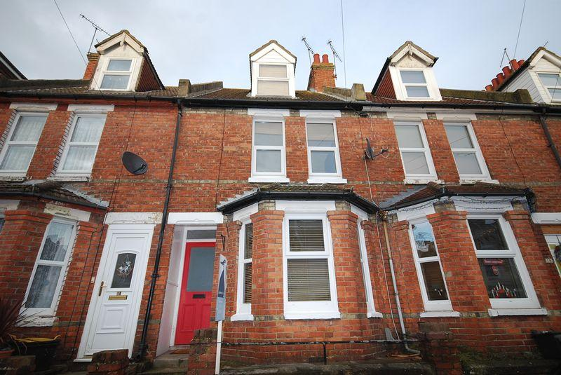3 Bedrooms Terraced House for sale in Folkestone