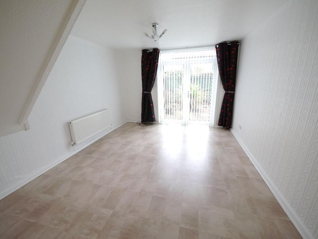 3 Bedrooms Terraced House for rent in Derwent Way