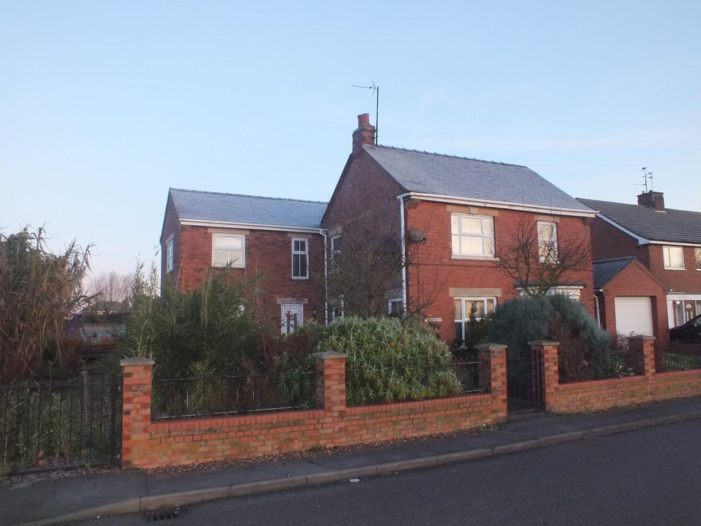 5 Bedrooms Detached House for sale in Pennygate, Spalding