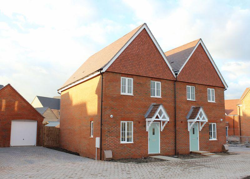 3 Bedrooms Semi Detached House for sale in FINAL THREE BEDROOM: Plot 69, Downsview Park, Wantage