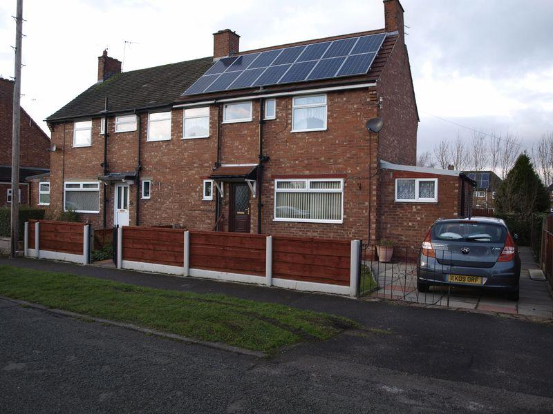 3 Bedrooms Semi Detached House for sale in Cotebrook Road, Northwich, CW9 7AT