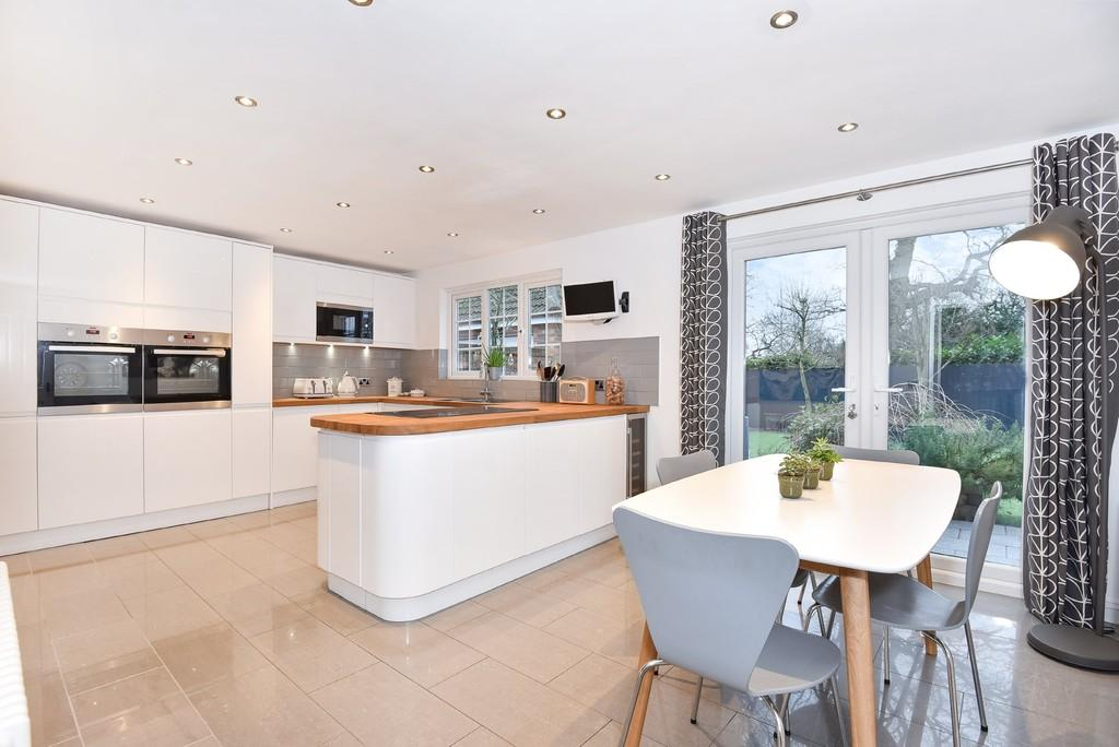 5 Bedrooms Detached House for sale in Hawthorn Drive, Balsall Common