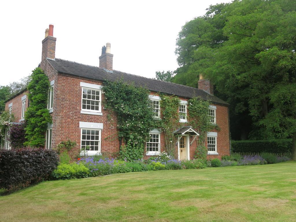 6 Bedrooms Detached House for rent in Lunts Moss, Scholar Green