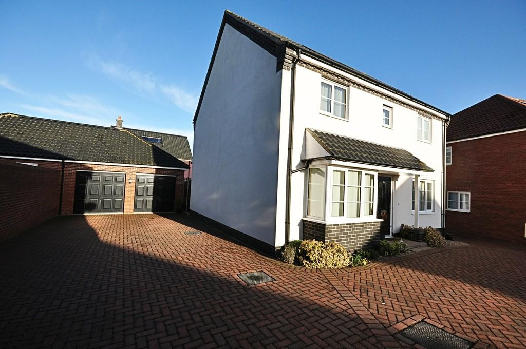 4 Bedrooms Detached House for sale in Prince William Way, Diss