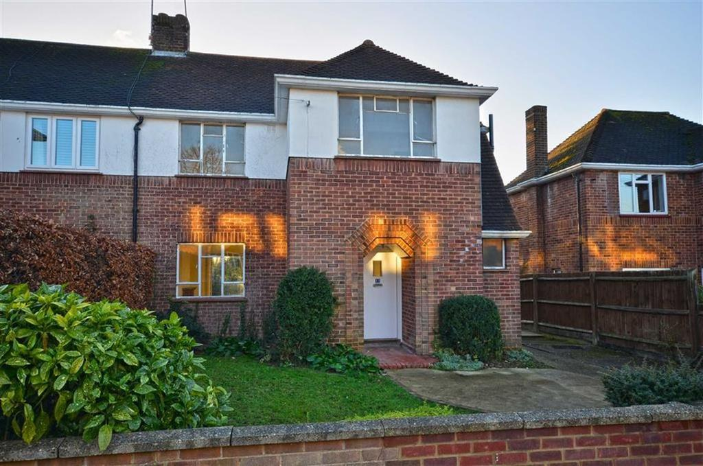 3 Bedrooms Semi Detached House for sale in Trefusis Walk, Watford, Hertfordshire